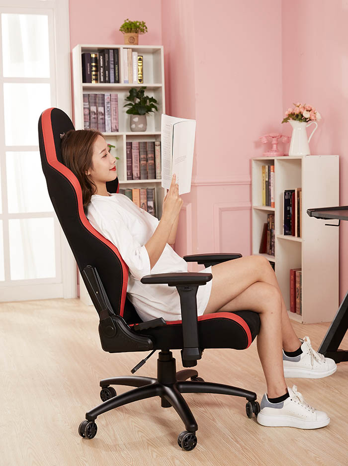 办公室电竞椅战神王座高清场景图5