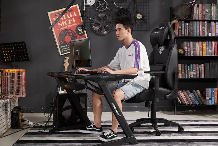 电竞游戏坐椅飓风王座高清场景图6