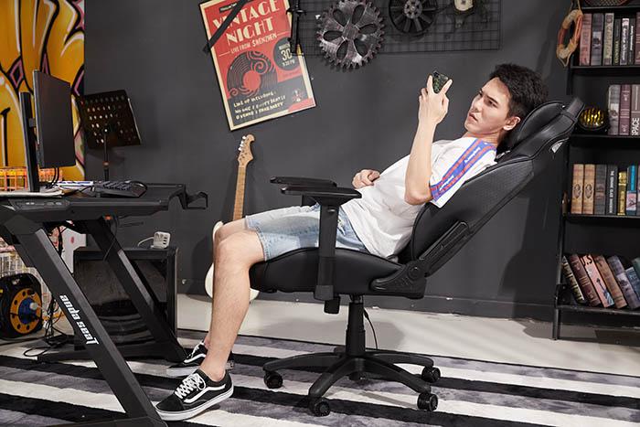 电竞游戏坐椅飓风王座高清场景图10