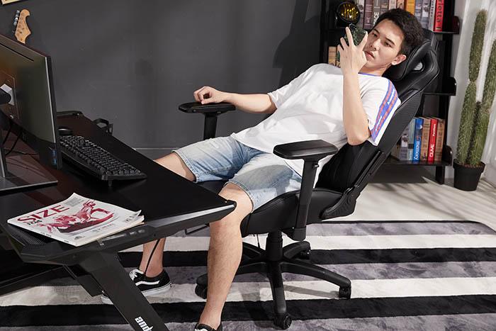 电竞游戏坐椅飓风王座高清场景图12
