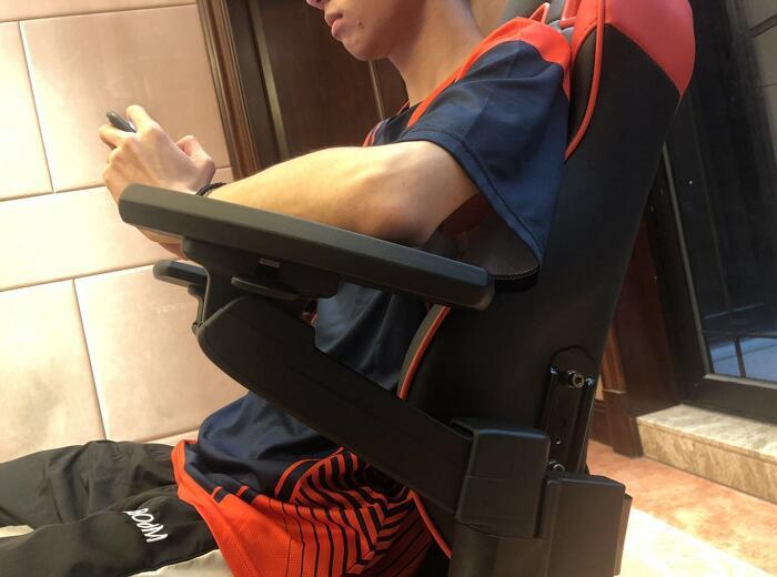 专业电竞椅躺赢王座战队体验场景图5