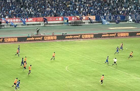 2018中超联赛第12轮,安德斯特以江苏苏宁足球俱乐部官方赞助商亮相